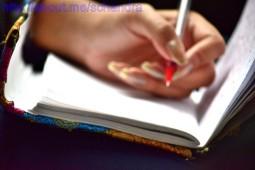 Blogger's hand